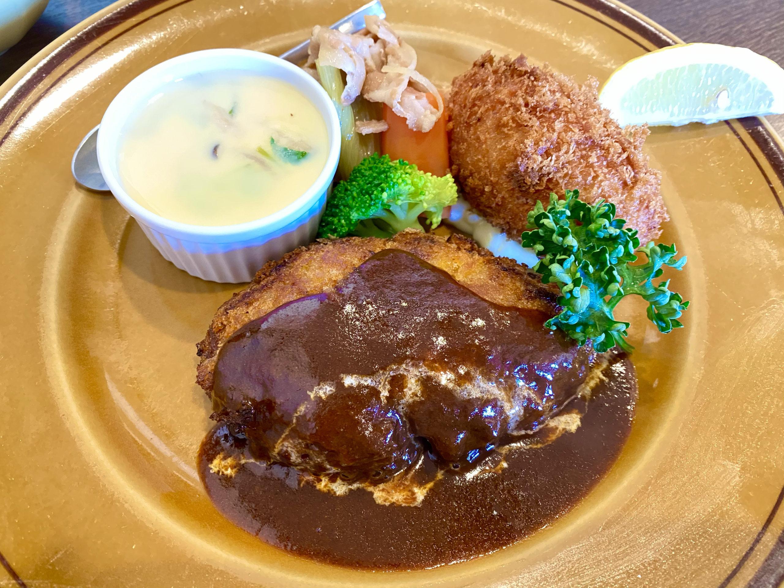 『きなり食堂』昭和の洋食ランチ